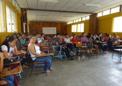 Matagalpa, Université Nationale Autonome du Nicaragua, faculté infirmière : assemblée d'étudiant-e-s en vue de la création d'une coopérative infirmière de soins à domicile, avril 2019.